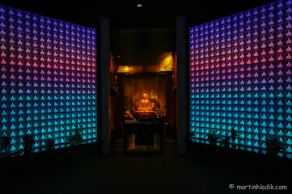 LED light Buddhist Tomb