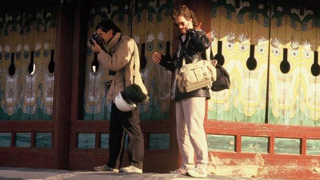Photographer Charlie Cole dies